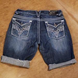 Vigoss cut off denim shorts waist size 29